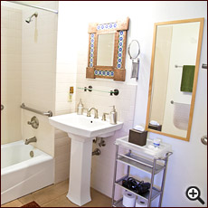 Spencer's Suite bathroom preview